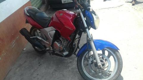Vendo ou troco numa moto menor. fazer 250 toda esportiva - 2007