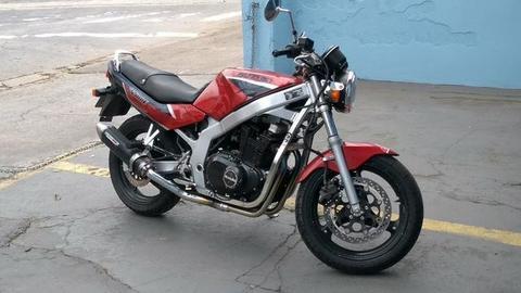 Vendo ou troco Suzuki GS 500 cilindradas Vermelha original - 1994