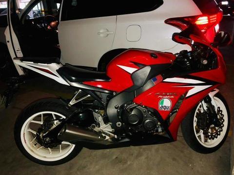 Honda cbr fireblade 1000cc - 2012