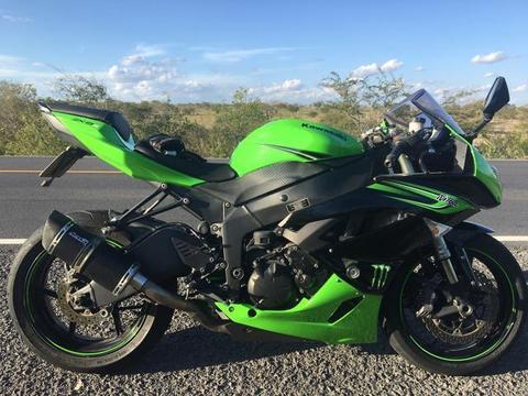 Kawasaki Ninja Zx6r!!! - 2011