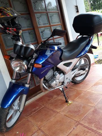 Twister troco por moto 500cc acima - 2004
