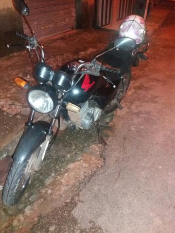 VEndo essa moto fam es 2011 - 2011