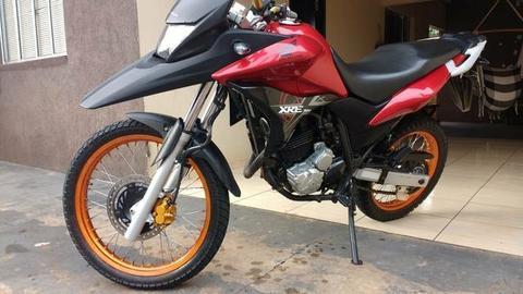 Vendo ou troco por moto de menor valor - 2012