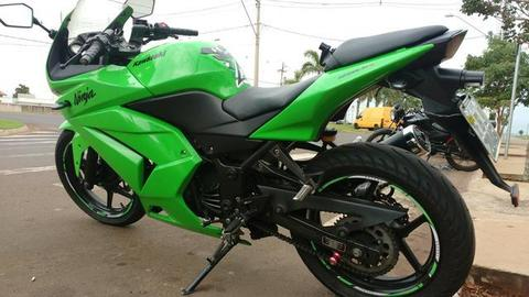Kawasaki ninja 250 2011linda!!! - 2011