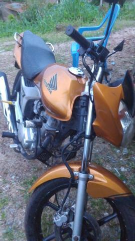 Vendi se uma linda moto - 2010