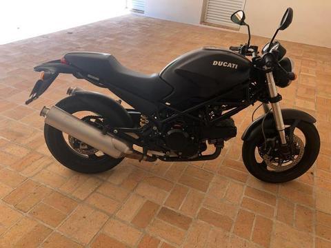 Ducati Monster 695 com 3000km - Troco por Harley - 2007