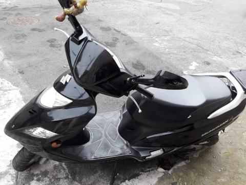Moto Burgman 125 cilindradas - 2015
