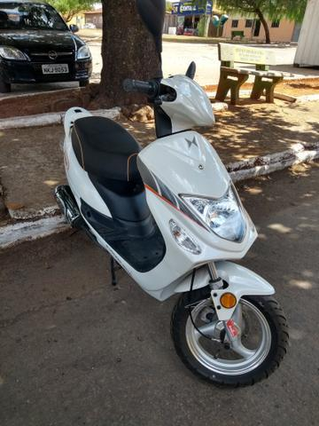 Shineray Scooters 50 cc Branca - 2015